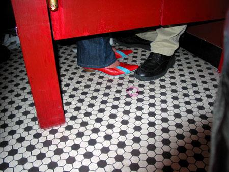 2003_6_magicianbathroom1.jpg
