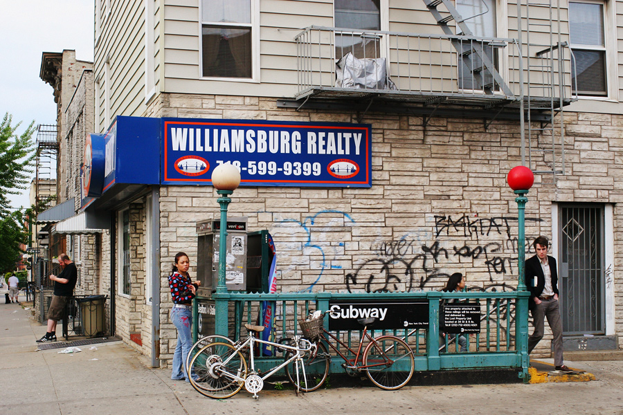 Williamsburg Realty