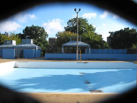 empty swimming pool, flushing avenue, brooklyn